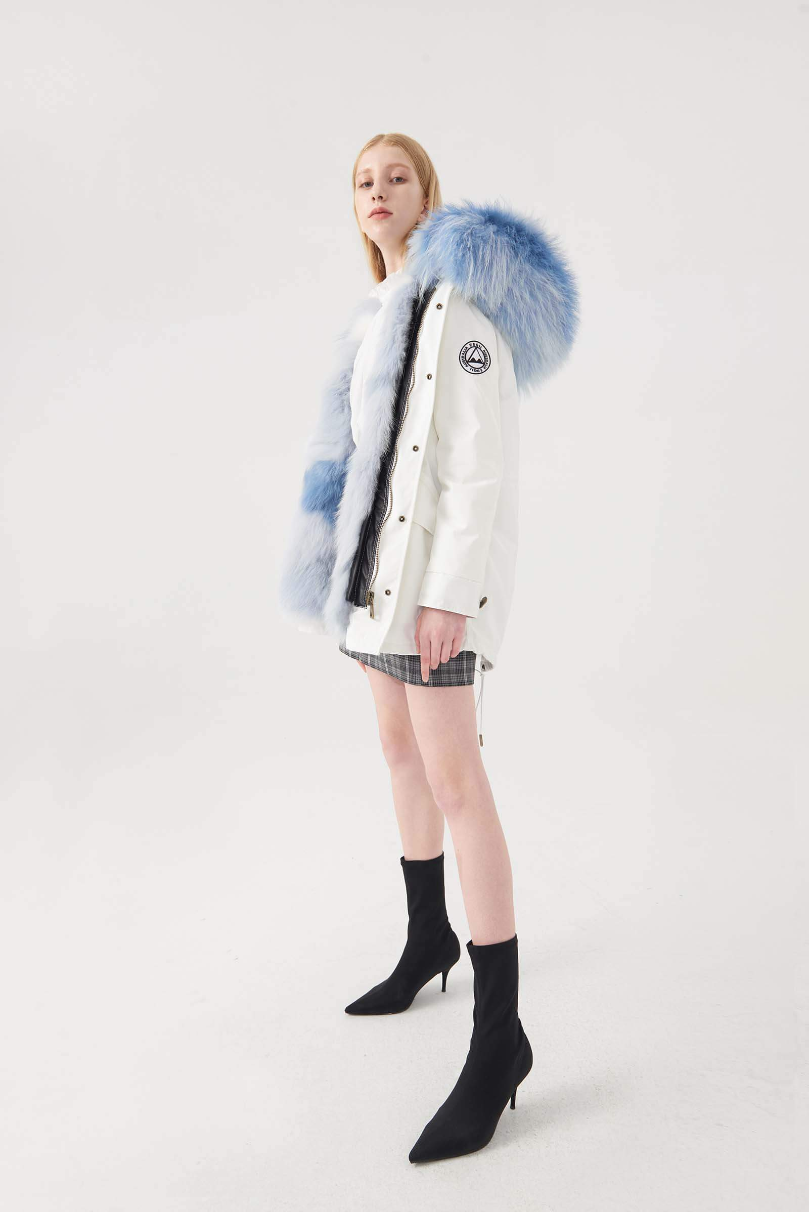 WHITE PARKA SMOKEY GREY FOX