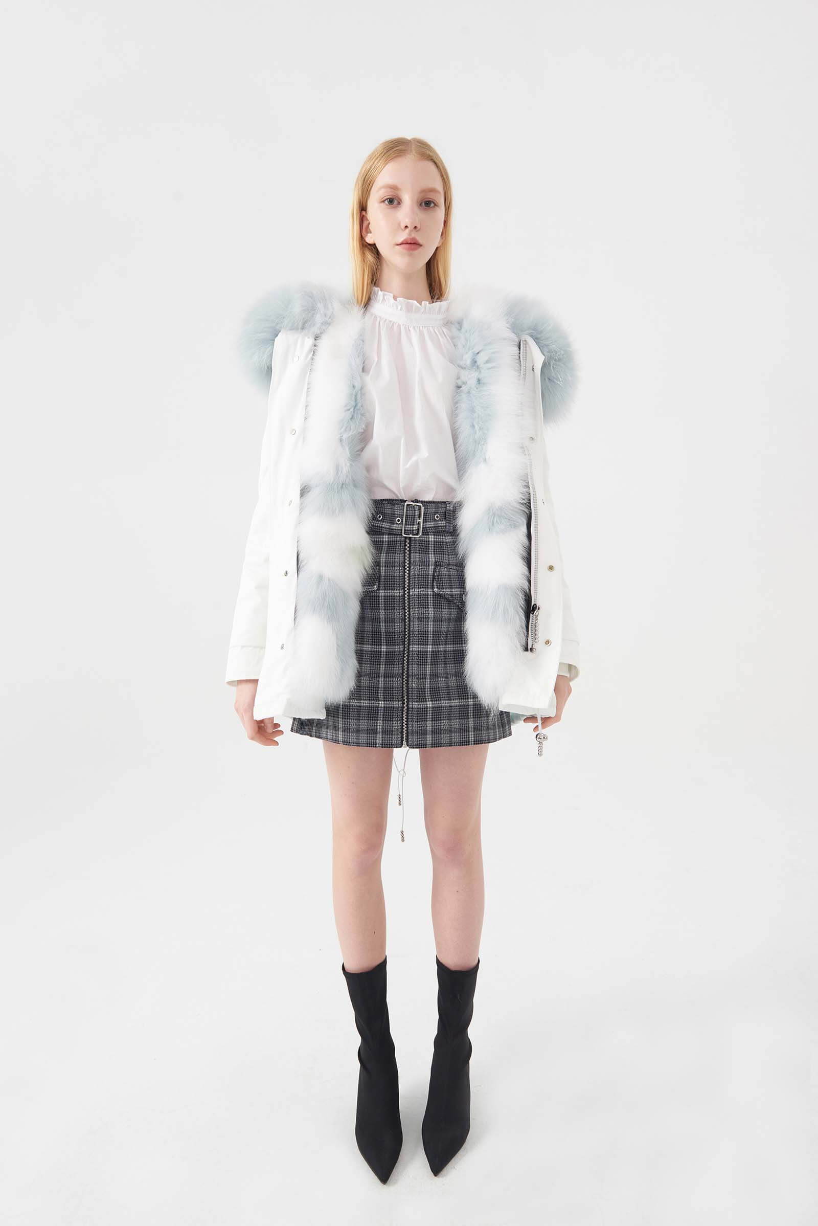 LUNA WHITE PARKA STARRY BLUE FOX