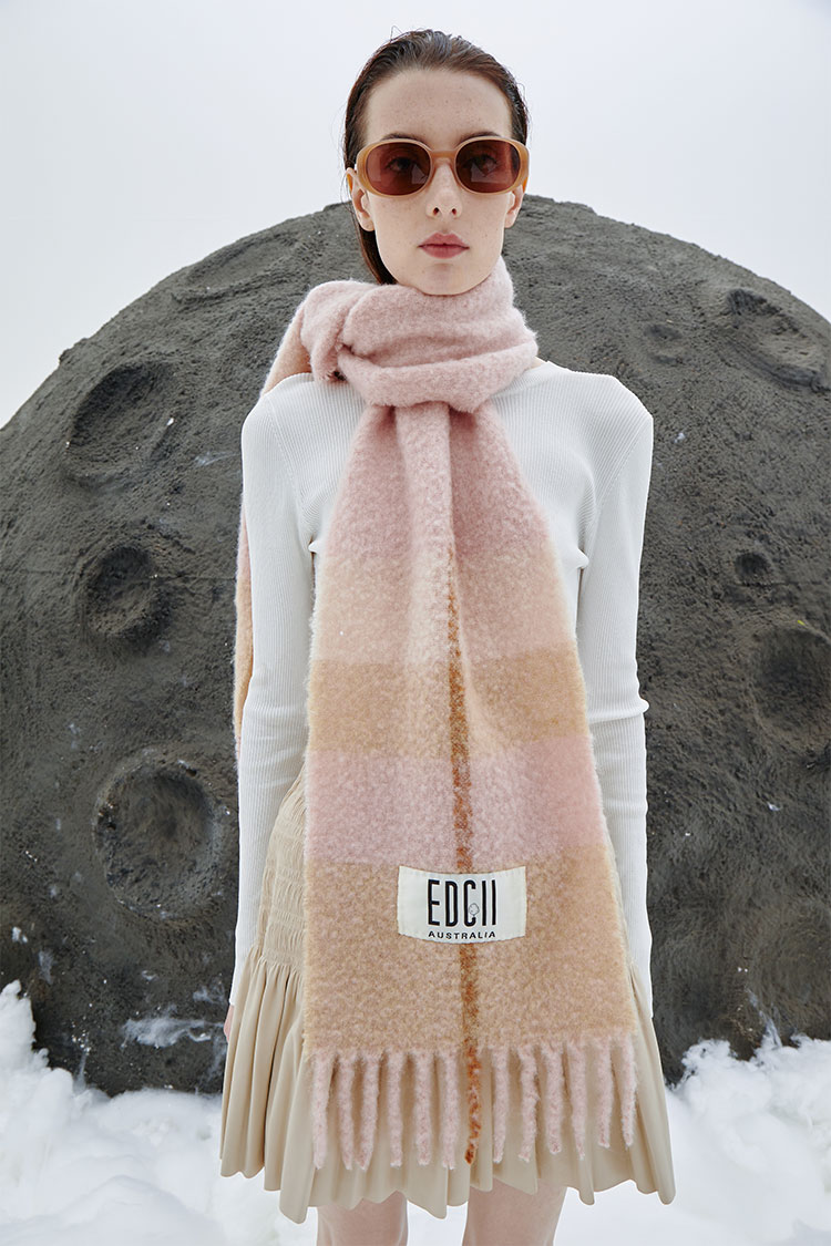 Milk Tea Pink Cotton Candy Woolen Scarf