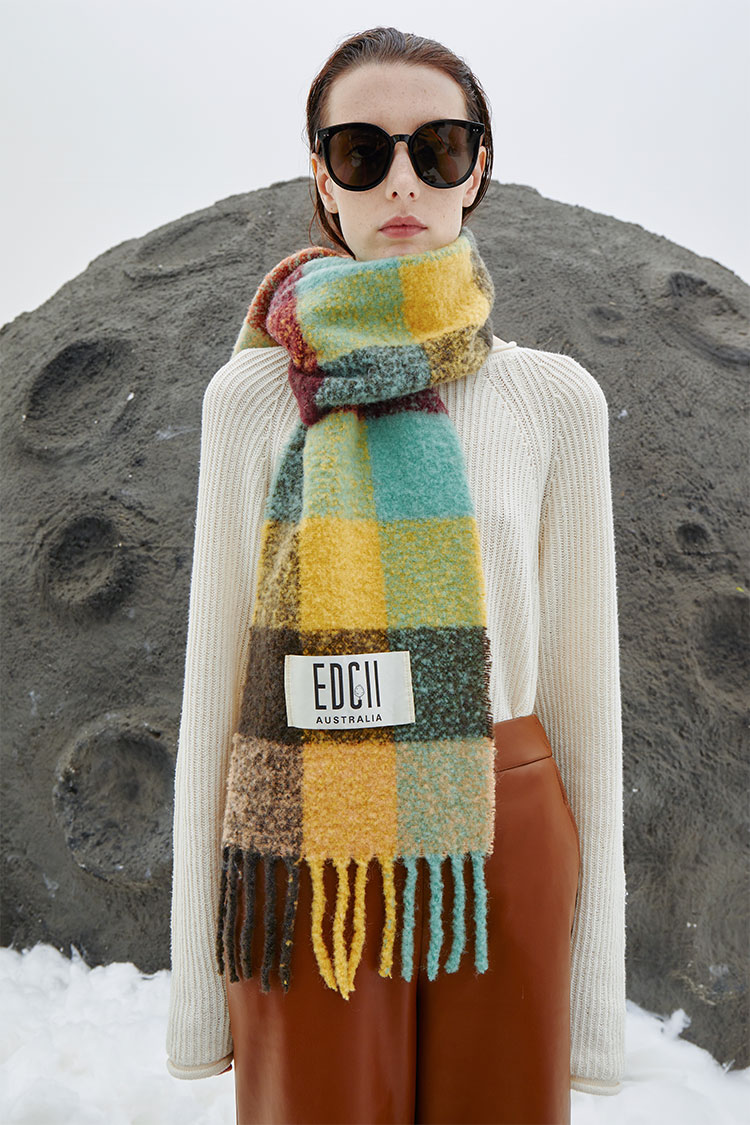 Mysterious Oasis Cotton Candy Woolen Scarf